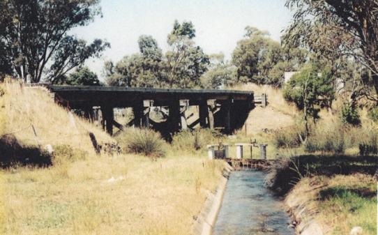 Grassy Flat Crk East Bendigo railway bridge (160.556 kms point). Date unknown