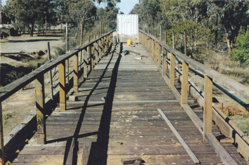 O'Keefe Rail Trail bridge construction. Grassy Flat Crk, East Bendigo. Date: 1998