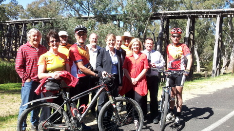 Clare Malcolm and Jacinta Allan MLA announcing trail funding commitment at Pyalong